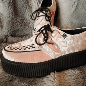 OFFICIAL TUK BRAND CREEPERS